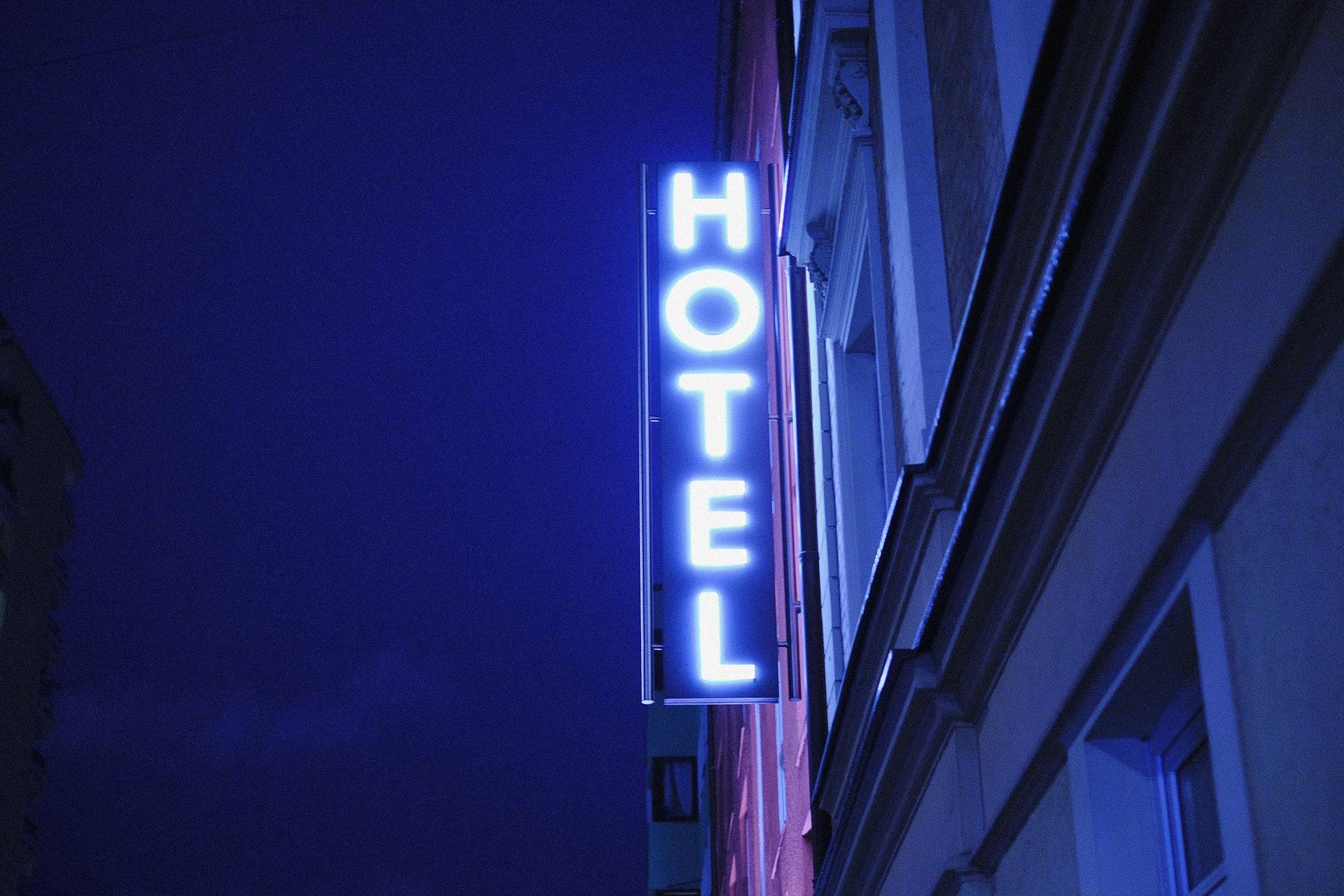 Hotel czy mieszkanie turystyczne – co wybrać?