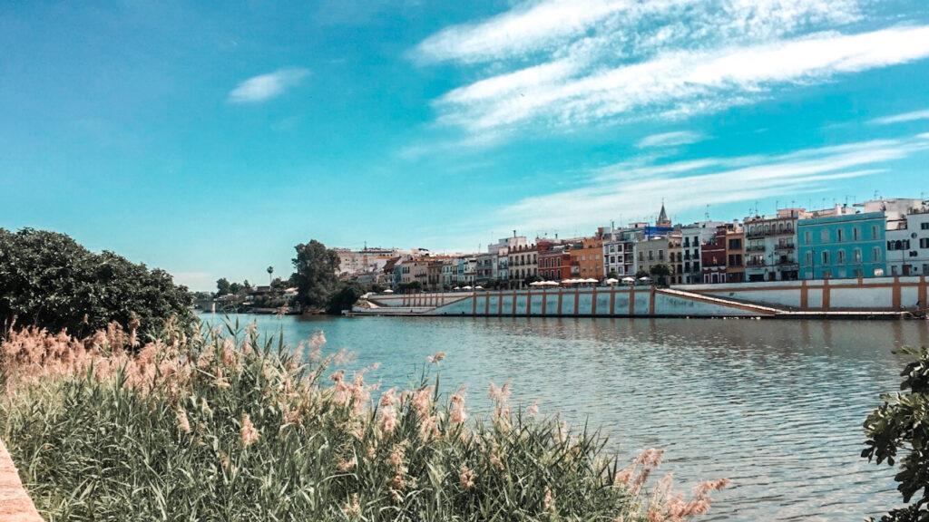 Dzielnica Triana w Sewilli, rzeka Guadalquivir