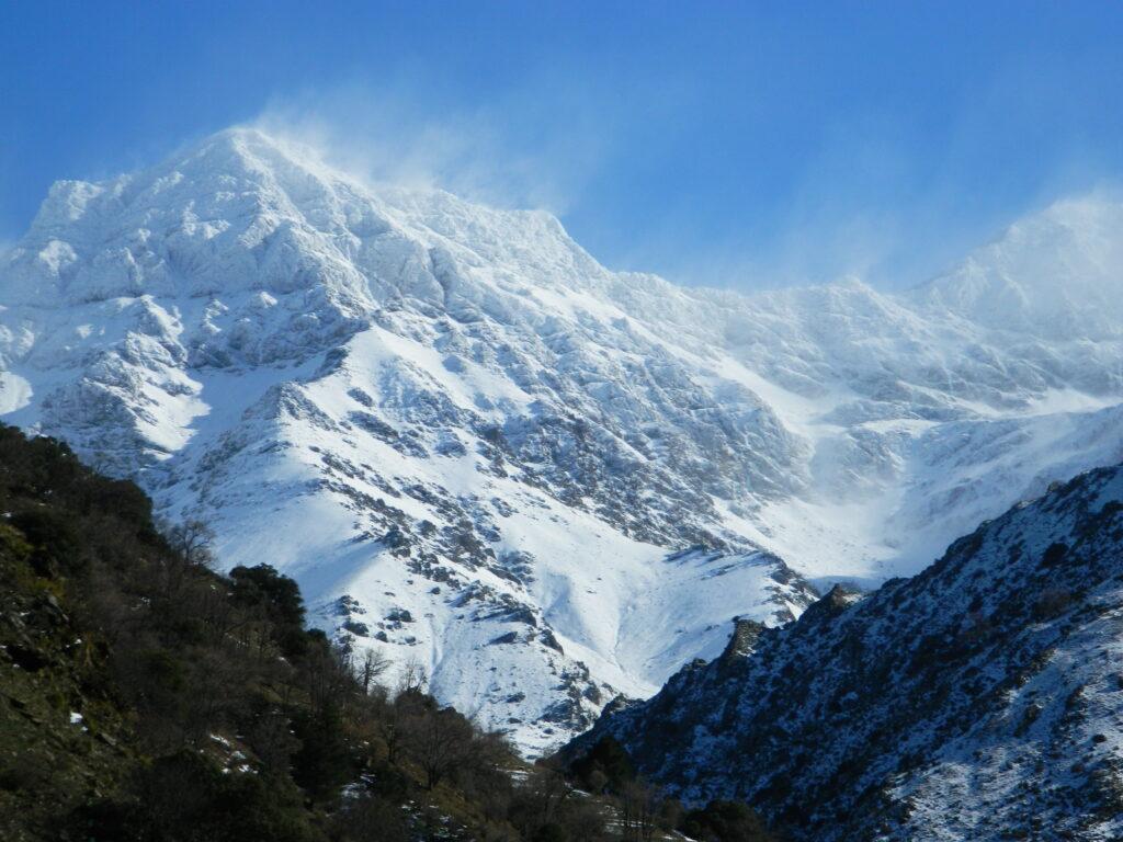 Mulhacen zimą, najwyższy szczyt Półwyspu Iberyjskiego