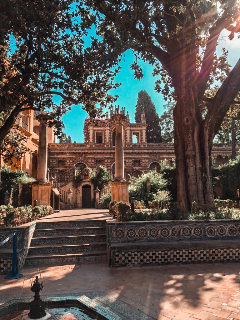 ogrody Pałacu Alcazar Sewilla